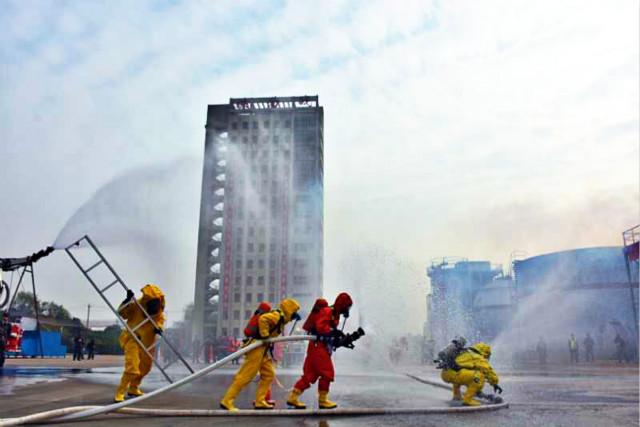 2017年湖北消防实战化练兵比武竞赛隆重开幕