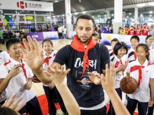 教师节献大礼,库里携手Jr. NBA在武汉开设校园篮球大讲堂