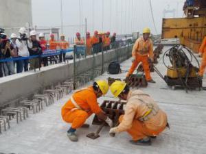 在汉央企参建广州虎门二桥全线贯通