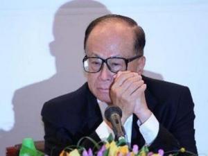 """李嘉诚告别演出:""""不想抢未来主席名分"""""""