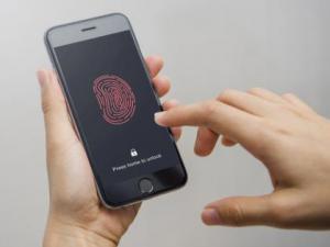 手机指纹解锁存漏洞:一段胶带就能破解