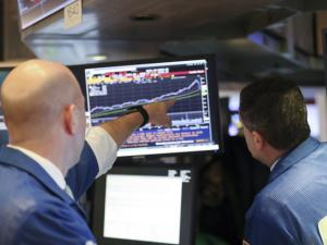 道指暴跌逾千点波及全球股市 分析称基本面稳健难言拐点
