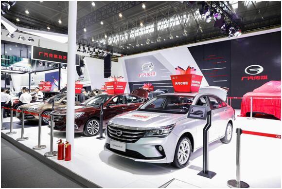 中国新能源汽车年产销量占全球50%