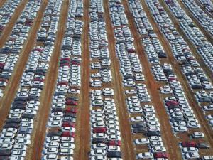 汽车经销商库存指数75.1%创三年最高