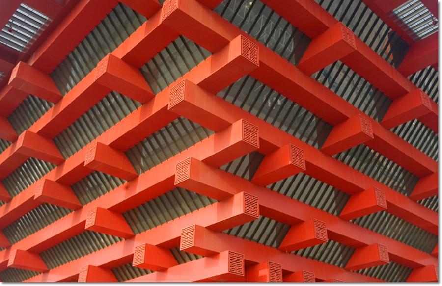 象征意义 中国馆运用立体构成手法对传统元素进行开创性的演绎,它的