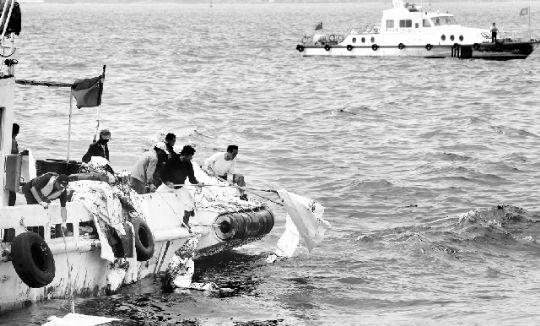 大连市府:5天内清除海面油污
