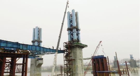 江汉六桥主桥结构开建